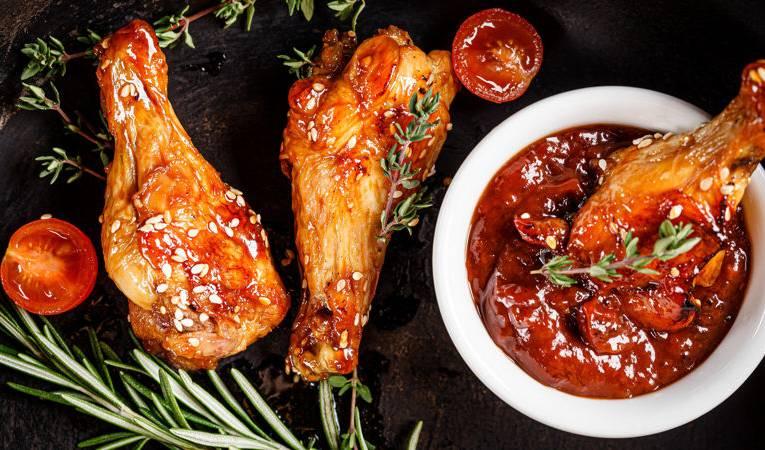 Pieczone skrzydełka – przepis na najlepsze pikantne skrzydełka z piekarnika